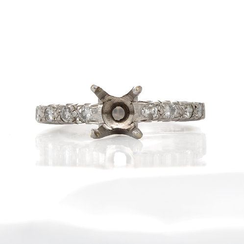 Vintage Engagement ring settingdiamonds 14kt white gold ring | solitaire setting | circa 1960's | fits +/- 7 mm round.