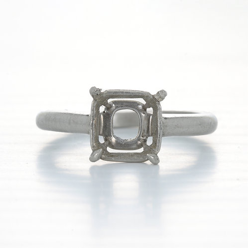 Vintage engagement ring mounting. Platinum. Art deco. Fits 7.25mm square or cushion. Estate ring circa 1930s.