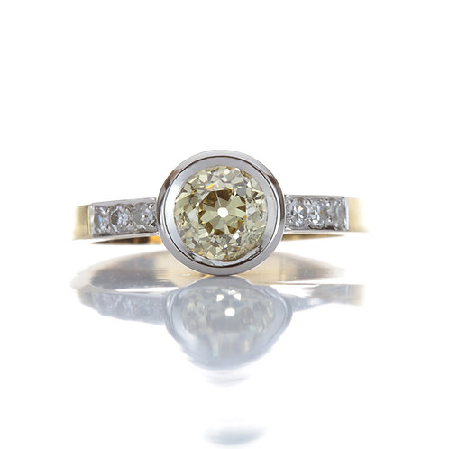 Old European cut Diamond engagement ring GIA 1.01ct Natural Fancy brownish greenish yellow, VS2. Platinum. 18kt yellow gold.