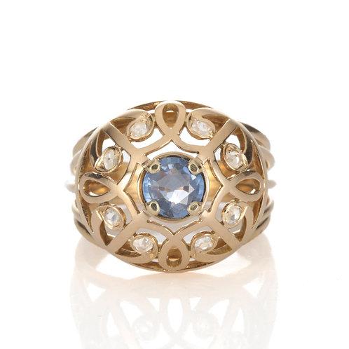 Vintage Sapphire, Rose Cut Diamonds ring. 14kt - 18kt gold. European hallmarks..