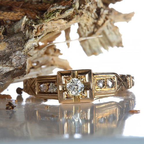 Vintage Engagement ring .15 Old European cut diamond i+ VS2 14kt gold Victorian
