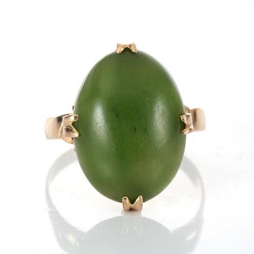 Vintage Nephrite Jade ring. 18kt rose gold. Mid 1800s.
