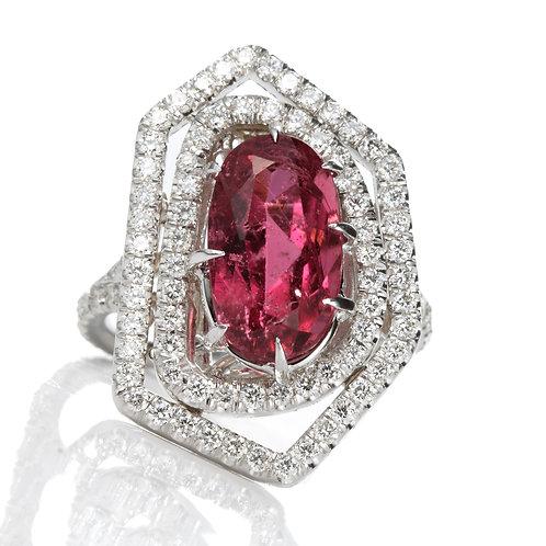 Cocktail ring. 3.87ct Rubellite Tourmaline. Diamonds. 18kt white gold.