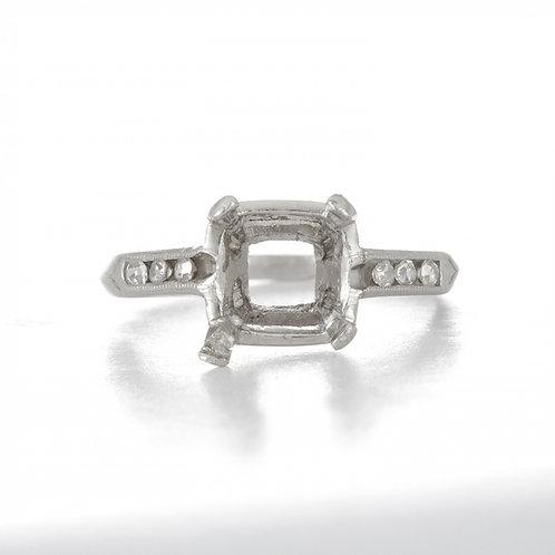 Vintage Engagement ring settingdiamonds platinum Art deco. Solitaire setting. Circa 1930's. Fits 6.4 mm square or cushion.