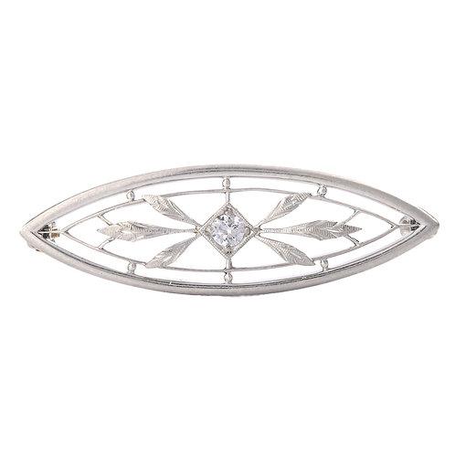 Antique Edwardian Diamond Platinum Brooch. 14kt fastener. Circa 1900.