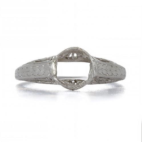 Antique Vintage engagement ring setting. Platinum. Edwardian circa 1900. Fits +/- 6.4 mm round. Filigree ring. Estate ring.