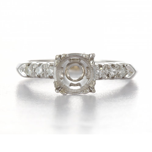 Vintage engagement ring setting. Diamonds 14kt white gold solitaire ring | circa 1940s| fits +/- 6. mm round .