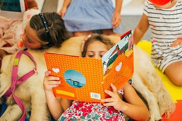 niños leyendo.JPG