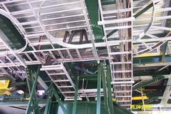 Tray installation