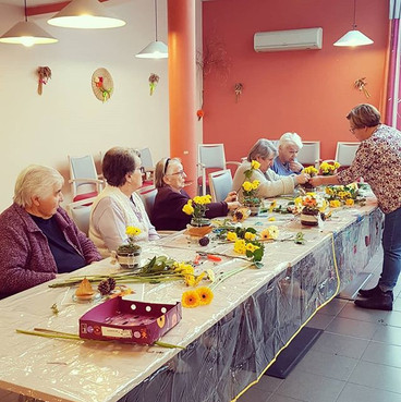 Atelier d'art floral en EHPAD avec Zenél