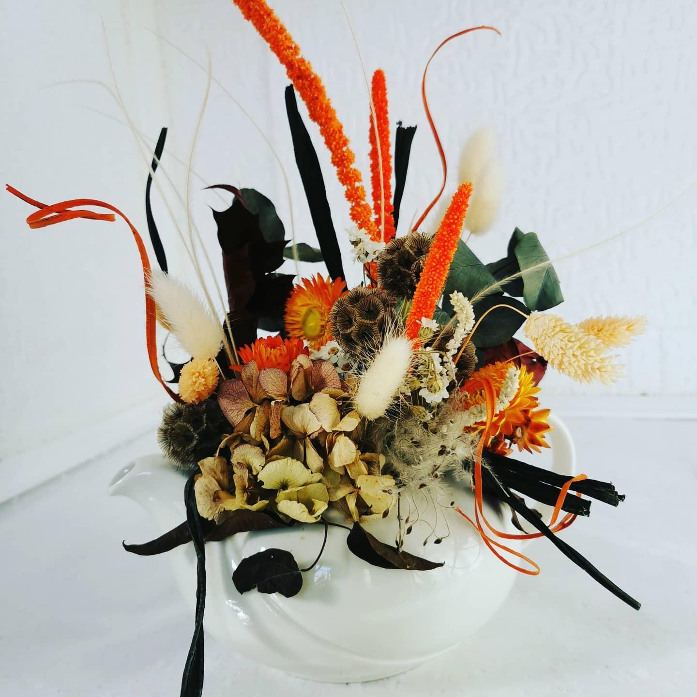 Fleurs séchées dans sa théière