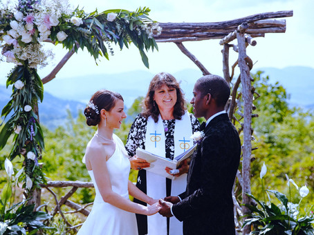 The benefits of micro weddings surrounded by nature
