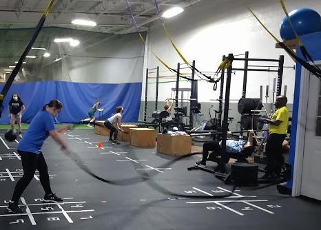 TRX%20and%20battle%20ropes%202_edited.jp