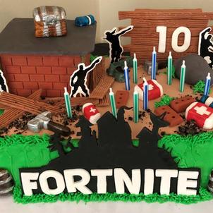 Fort Nite Cake.jpg