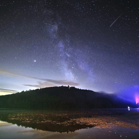 Perseids, Milky way, Saturn, Jupiter and light show by the lake