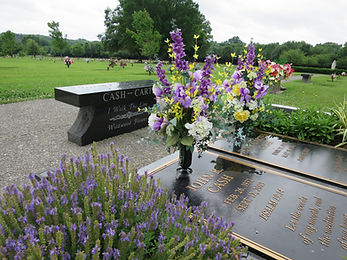 Graves of Johnny Cash and June Carter