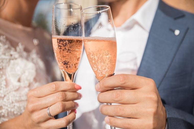 粉紅玫瑰酒 - 浪漫氣氛大增、拍照必備