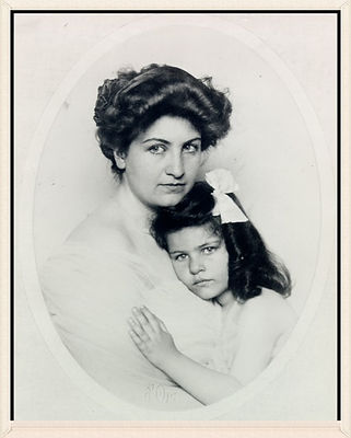 Rare picture of Alma Mahler & daughter, Anna. Life Ain't Kind.
