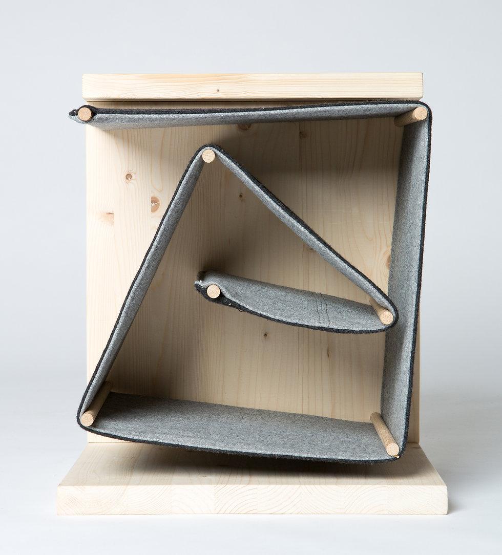 zavináč, stolík, small table, wood table,z2, z2 architekti