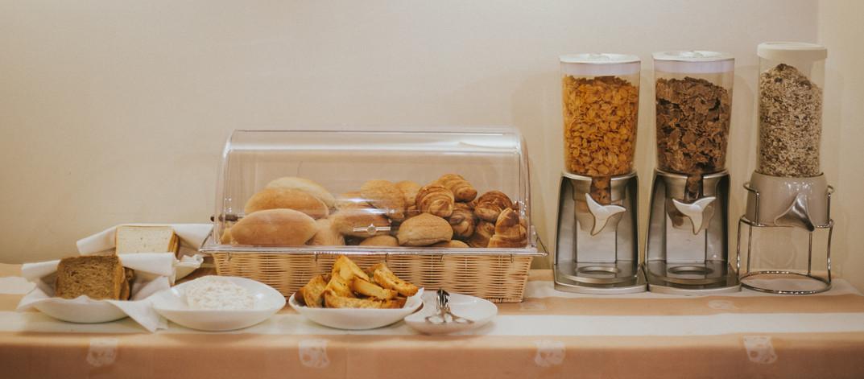 Pães, tostas caseiras e cereais