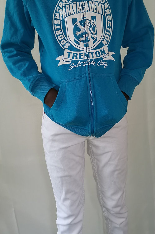 ensemble jean blanc + gilet bleu a capuche