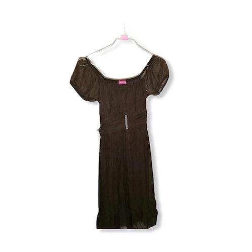 Robe Noire, épaule bouffante, ceinture intégrée