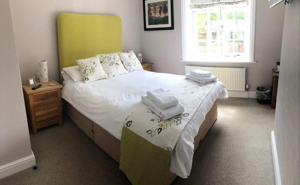 Green_Bedroom.jpg