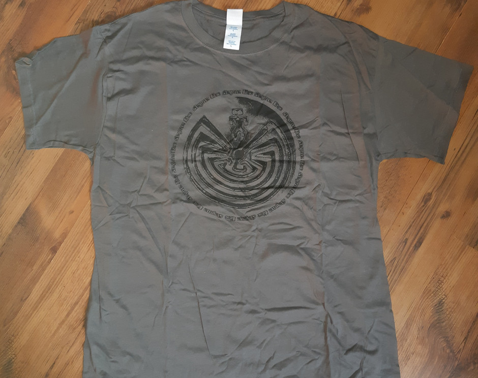 """""""The man in the maze"""" front- grey/L only"""