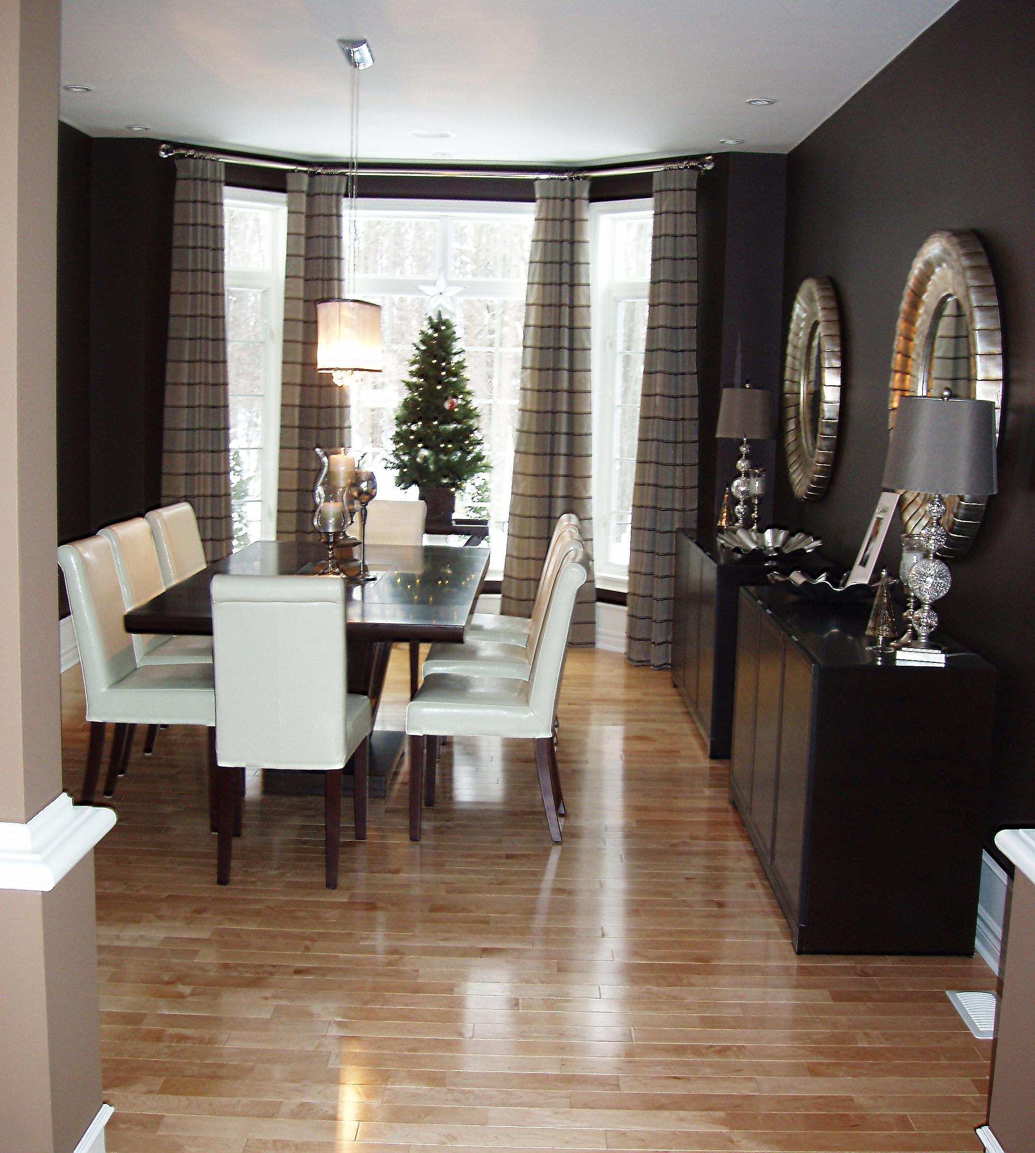 Holiday Home Decor - Ottawa South