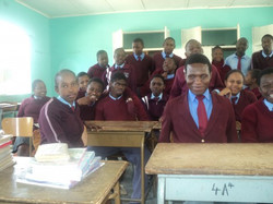 Students in an integrated class (2)