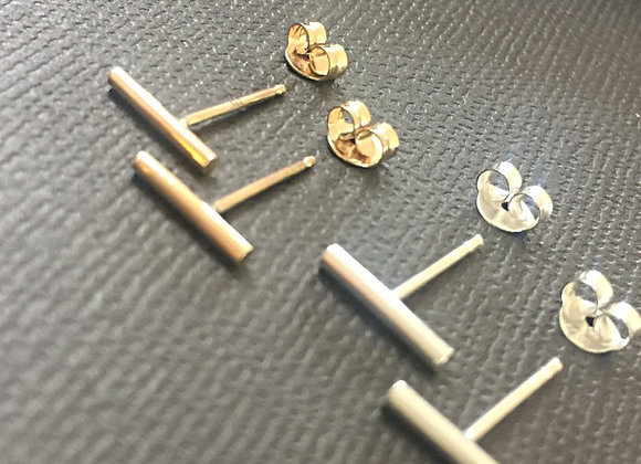 9ct Gold round wire Bar Earrings