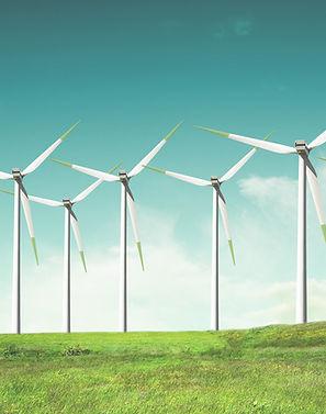 Windmühlen auf der grünen Wiese