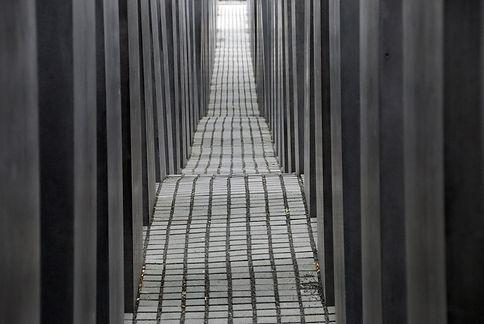 eisenman-holocaust-130109856-56aadc7d3df