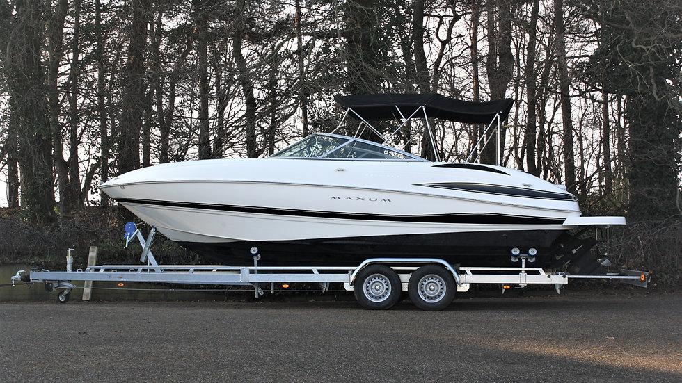 Motorboot Maxum 2400 SC3