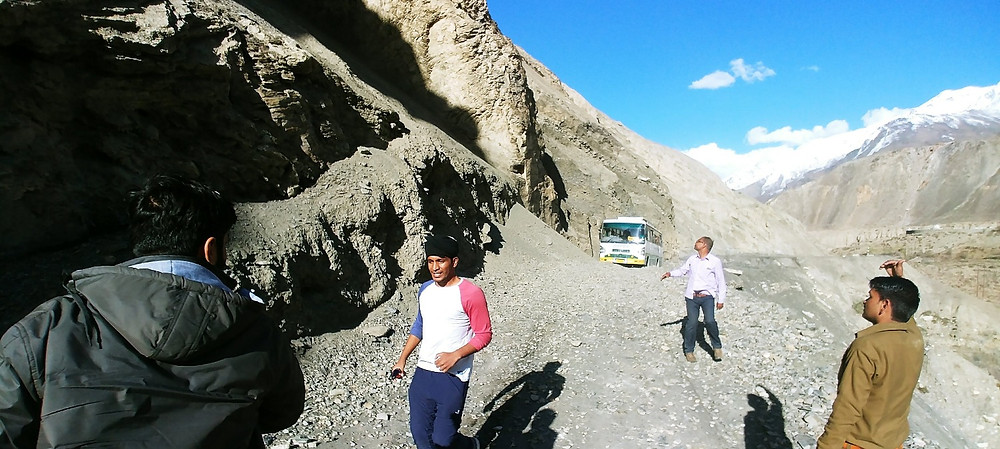 Active Landslide on the way to Tabo