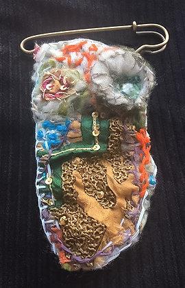 # 433 Kilt Pin Textile Brooch