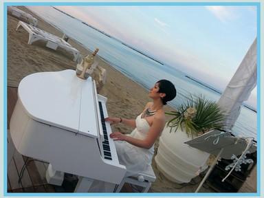 Elisa piano white