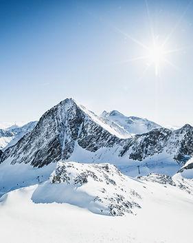 Königliche-Fernsicht-Stubaier-Gletscher