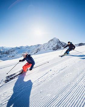 Skifahren_Stubaier_Gletscher02_-c-_Andre