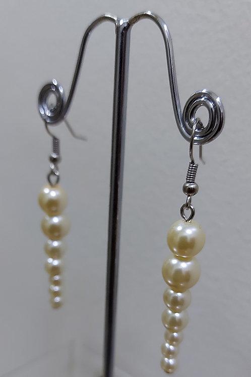 Gradient Pearl Earrings