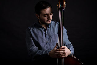 portrait-musician-and-contrabass.jpg