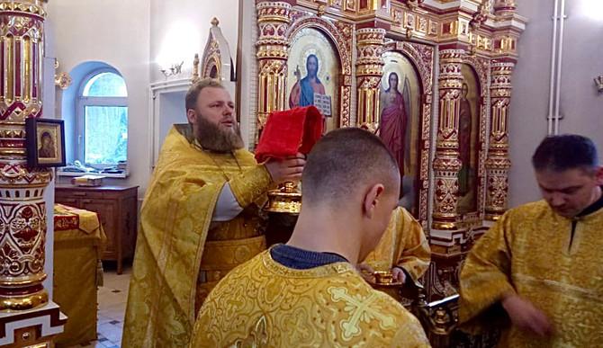 """22 ноября, Божественная литургия, празднование в честь иконы Божией Матери  """"Скоропослушница"""""""