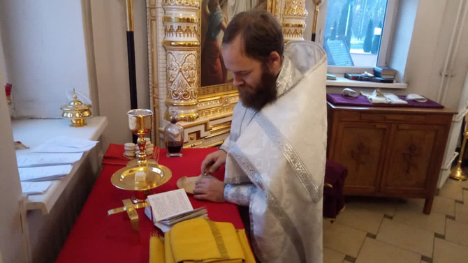 21 ноября, Божественная литургия в день Собора Архистратига Михаила и прочих Небесных Сил бесплотных
