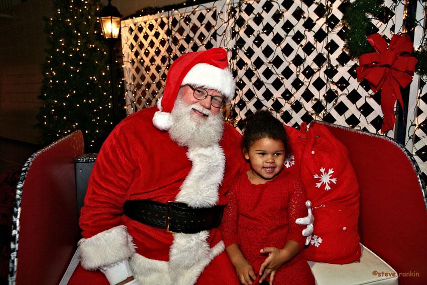 Christmas-Town-USA-Santa
