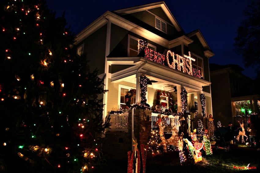 Christmas-Town-Hose-Lights