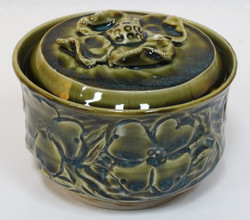 Dogwood Lidded Box Green