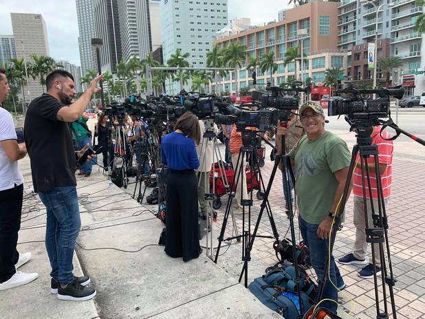santiago de leon press coverage.jpg