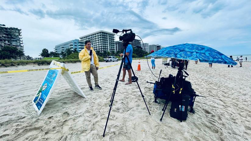 Correspondent Marcos Alvarez en Surfside.jpg