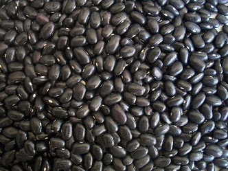 BLACK BEANS: WHY YOU SHOULD ENJOY THEM MORE + A FEW GREAT RECIPES