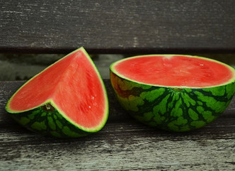 IT'S HOT OUT THERE!: DELICIOUS HYDRATING WATERMELON SMOOTHIES